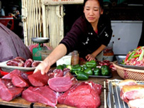 Vietnam food prices climb amid inflation battle