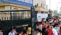 6-year-olds go to battle for school admission in Hanoi