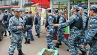 Russian police detain 1,200 Vietnamese allegedly for illegal immigration in Moscow on July 31. PHOTO COURTESY OF RIA Novosti