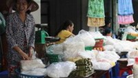 Rice noodle producers caught adding harmful chemicals in southern Vietnam