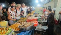 A grilled seafood stall at the Dinh Cau night market on Phu Quoc island. Photo: To Van Nga