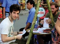 Vietnam delta's tourism festival wins foreigners with rural snacks