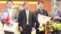 Vietnam honors Japanese officials for environmental work