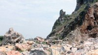 The site of a rockslide that left 3 dead and 1 injured in the central province of Thanh Hoa on June 7