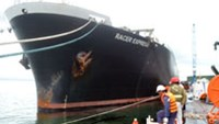 Foreign ship banned from leaving Vietnam port after oil spill