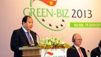 Deputy Minister of Ministry of Industry and Trade Nguyen Cam Tu speaks at the opening of GreenBiz 2013