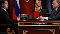 File picture shows Russian President Dmitry Medvedev (L) meeting with then finance minister Alexei Kudrin in May.