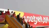 VietJet budget flights lure travelers from 40-hour bus rides