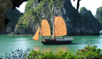 Ha Long Bay in Vietnam's Quang Ninh Province has been listed among Asia's top five tropical island paradises by CNN.