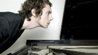 Pianist and composer Francesco Tristano will return to Hanoi for two piano concerts on June 25 and 26