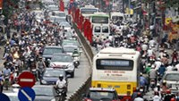 Vietnam ministry seeks gov't approval to limit personal vehicles
