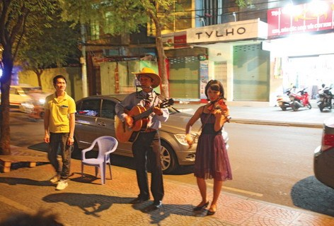 City troubadours