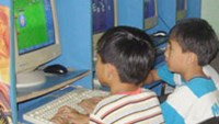 Kids at an Internet shop in Dien Ban District, Quang Nam Province.