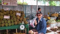 An American doofus finds himself in the unrelentingly hospitable clutches of the Mekong Delta