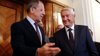 Russia's Foreign Minister Sergei Lavrov (L) welcomes Secretary-General of the Council of Europe Thorbjorn Jagland before their meeting in Moscow, September 4, 2014. Photo credit: Reuters