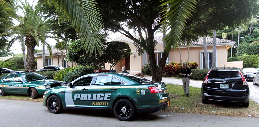 Police cars are seen in front of the family home of U.S. journalist Steven Sotloff in Pinecrest, Florida September 2, 2014. Photo credit: Reuters