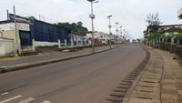 An empty street is seen at the start of a three-day national lockdown in Freetown September 19, 2014. Photo credit: Reuters