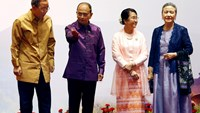 Myanmar's President Thein Sein (2nd L) and his wife Khin Khin Win (2nd R) welcome United Nations Secretary-General Ban Ki-moon (L) and his wife Yoo Soon-taek to the 25th Association of Southeast Asian Nations (ASEAN) summit in Naypyitaw November 12, 2014.