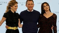 "Actors Lea Seydoux, Daniel Craig and Monica Bellucci (L-R) pose on stage during an event to mark the start of production for the new James Bond film ""Specter"", at Pinewood Studios in Iver Heath, southern England December 4, 2014. Photo credit: Reuters"