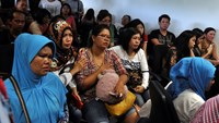 Indonesia halts search for missing AirAsia plane as night falls