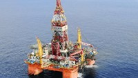 Vietnam leery as China's infamous oil rig heads for Indian Ocean