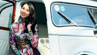 Ao dai, vintage vehicles on display in Vietnam metro