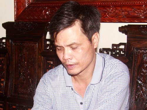 Duong Ba Lieu, the alleged organizer of an illegal online gambling ring in Thanh Hoa, was arrested at his home on July 6. Photo credit: Thanh Hoa police