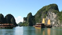 Ha Long Bay is listed as one of the most beautiful water landscapes in the world, according to US's website Mymodernmet.com. Photo credit: Vtv4.com