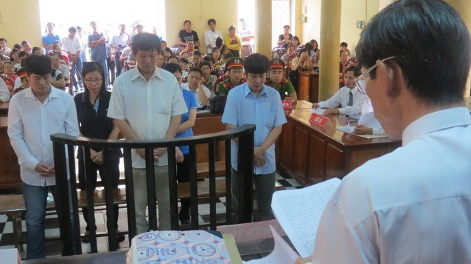 The defendants at a court in An Giang province on July 11. Photo credit: Tuoi tre