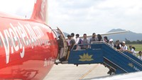VietJet Air dispatcher fired for landing mistake
