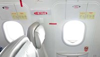 Incidents of attempting to open and opening emergency exit doors are reported quite frequently in Vietnam. Photo credit: VnExpress.