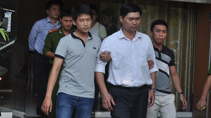 Nguyen Manh Tuong, 41, was arrested by Hanoi investigators last year for allegedly dumping the body of a deceased patient into the Red River. Photo credit: Tuoi Tre