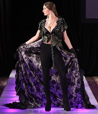 Vietnamese designer shines on New York stage