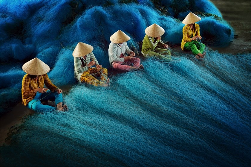"Ly Hoang Long's ""Net Weaving"" won high praise from judges at the CBRE Urban Photographer of the Year 2014 competition. File photo/"