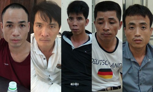 From left to right: Vu Xuan Nhat, Nguyen The Manh, Dao Manh Hung, Le Duc Thich, Nguyen Xuan Dat (aka Ha Ngoc Oanh)