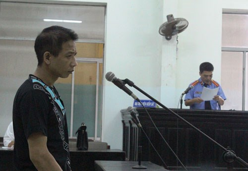 Truong Que Lam, 35, gets a death sentence for murdering and raping a 16-year old girl, a Khanh Hoa court said Thursday.
