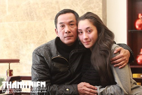 Lilia saw her father Nguyen Manh Tien for the first time in 14 years in Hanoi on Tuesday. Photo: Le Nam