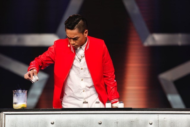 Tran Tan Phat, aka TaPi, performs a magic trick on Vietnam's Got Talent.