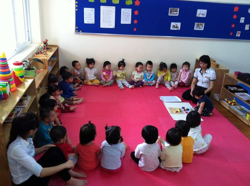 Teachers and kids at Tuoi Than Tien. Photo courtesy of the school