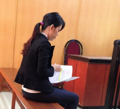 Nguyen Thi Vu Phuong, 32, stands trial for stealing around US$5000 from her Swiss boyfriend last December. Photo credit: Phu Nu Thanh Pho