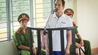 Le Van Sinh Nhat, 40, stands trial in Quang Nam Province on Monday. Photo credit: Tuoi Tre