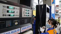 Vietnam gasoline prices slightly drop