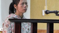 Le Thi Thuy, 40, during a court in Ha Tinh Province on November 10, 2015. Photo credit: Duc Hung/VnExpress