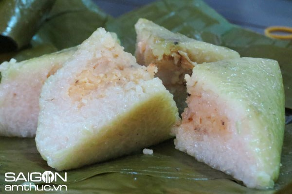 Banh chung, a traditional Vietnamese rice cake made from glutinous rice, mung beans, pork and other ingredients. Photo: Tuyet Khoa