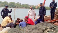 Malaysia detains 14 Vietnamese allegedly for illegal fishing