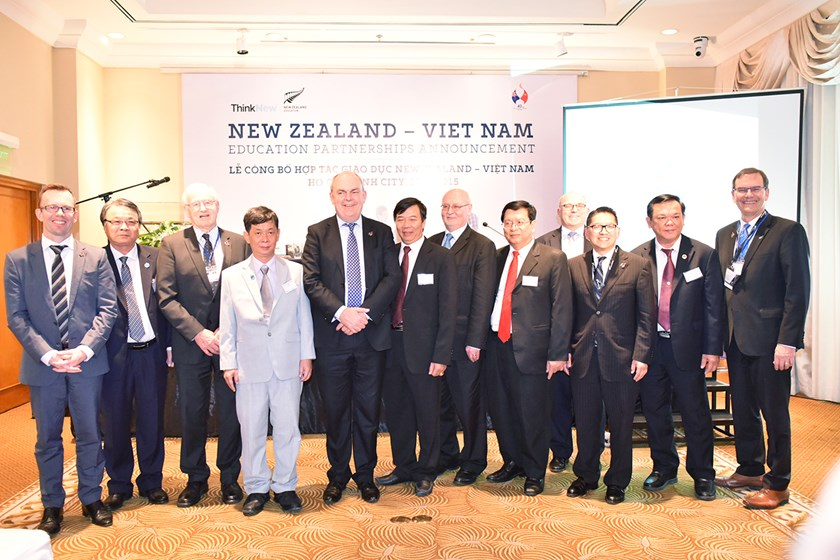 Officials of New Zealand and Vietnam at the signing ceremony in Ho Chi Minh City on November 17, 2015. Photo: Kim Nga