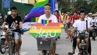 More Vietnamese supporting gay relationships