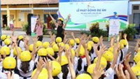AIP Foundation donates helmets for Vietnamese children