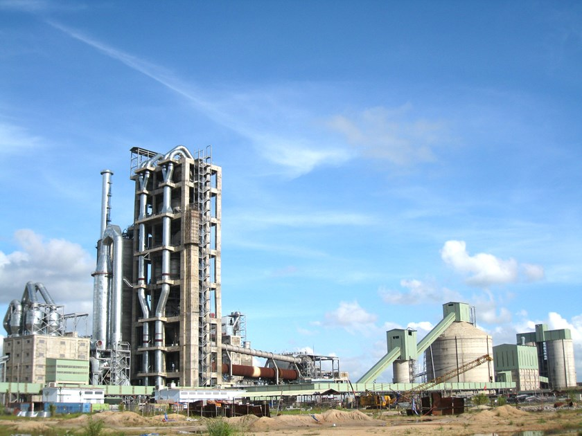 The $235 million Thang Long Cement Plant project in Quang Ninh Province. Photo credit: Dien Dan Doanh Nghiep