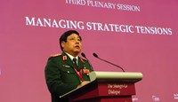 Vietnamese defense minister Phung Quang Thanh delivers his speech at the 13th Shangri-La Dialogue on May 31. Photo: Thuc Minh